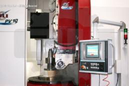 Fresatrice-Verticale-PV10-Oli-Officina-Lavorazioni -Ingranaggi